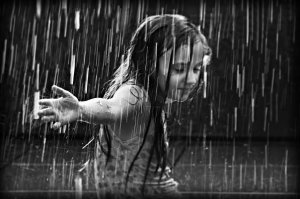 rain-girl_in_the_rain